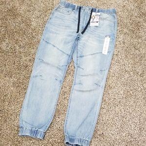 Denizen by Levi's 283 Slim Fit Lightwash jeans